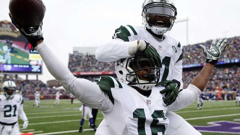 New York Jets wide receiver Percy Harvin celebrates