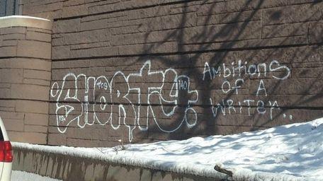 Graffiti along the Cross Island Parkway provided by