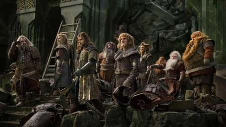 From left, John Callen as Oin, Dean O'Gorman