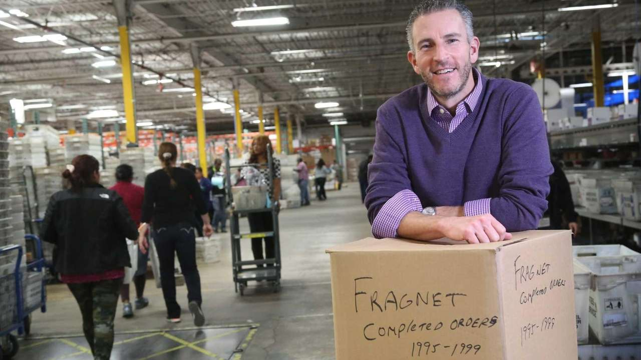 Blue apron warehouse - Fragrancenet Com Warehouse Running Day And Night To Fill Holiday Orders Newsday