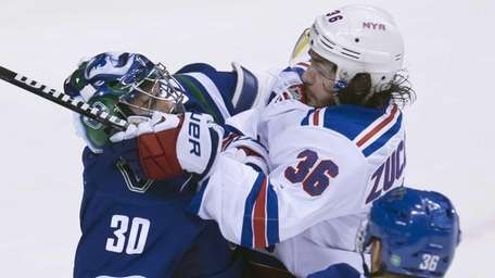 New York Rangers right wing Mats Zuccarello gets