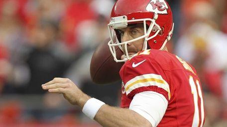 Kansas City Chiefs quarterback Alex Smith (11) throws
