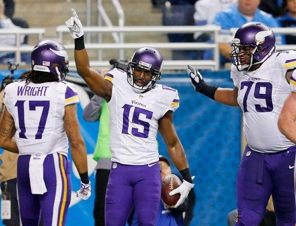 Greg Jennings celebrates a second quarter touchdown against