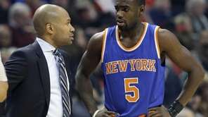 New York Knicks head coach Derek Fisher, left,