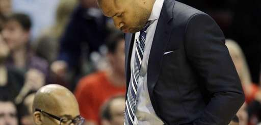 New York Knicks head coach Derek Fisher looks
