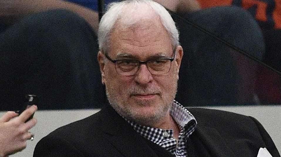 New York Knicks president Phil Jackson watches action