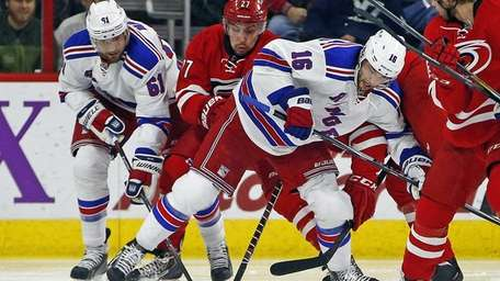 The New York Rangers' Rick Nash (61) and