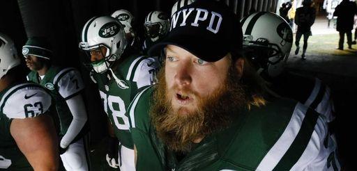 New York Jets center Nick Mangold (74) wears