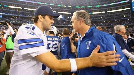 ARLINGTON, TX - DECEMBER 21: Tony Romo #9