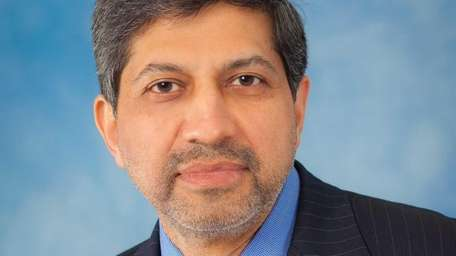 Dr. Sunil Dhuper of Old Westbury has been