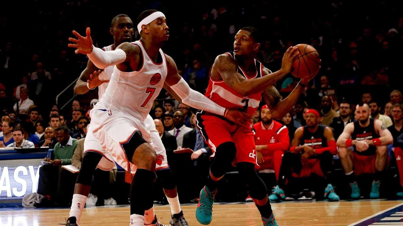 Carmelo Anthony of the New York Knicks guards