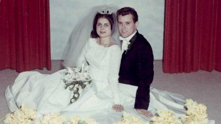 Andrea and Everett Van Pelt on their wedding