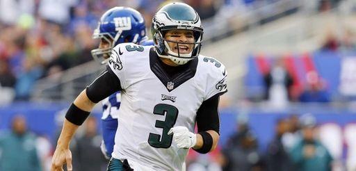 Mark Sanchez #3 of the Philadelphia Eagles reacts