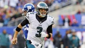 Mark Sanchez #3 of the Philadelphia Eagles reacts