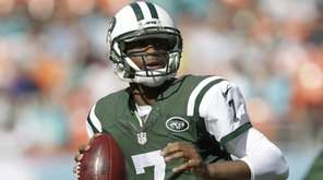 New York Jets quarterback Geno Smith looks to