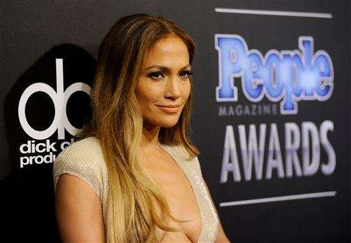 Jennifer Lopez arrives at The People Magazine Awards