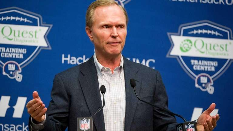 Giants president and CEO John Mara speaks with