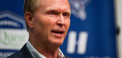 Giants president and co-owner John Mara speaks with