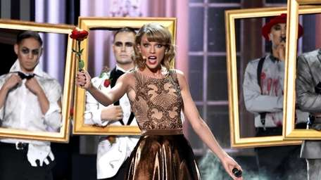 TAYLOR SWIFT, 'BLANK SPACE' (Big Machine): Tay twists