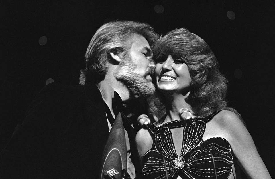 Dottie West, with Kenny Rogers at the CMA