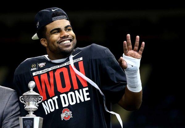 Ezekiel Elliott of the Ohio State Buckeyes celebrates
