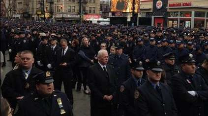 Some NYPD cops turned their backs on Mayor