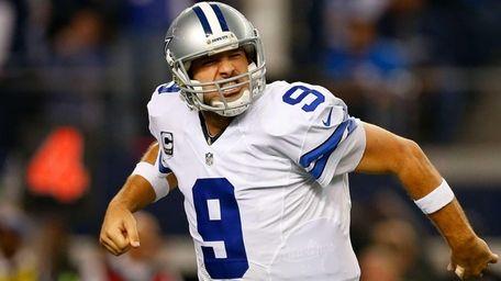 Tony Romo #9 of the Dallas Cowboys reacts