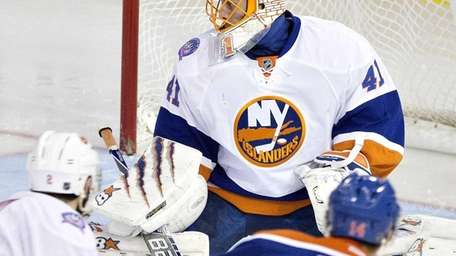 The New York Islanders' Jaroslav Halak (41) is
