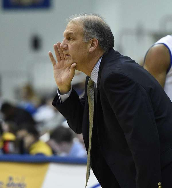 Hofstra head coach Joe Mihalich reacts during action