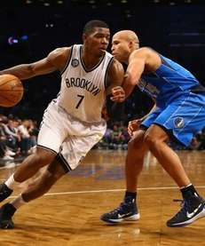 Joe Johnson #7 of the Brooklyn Nets drives