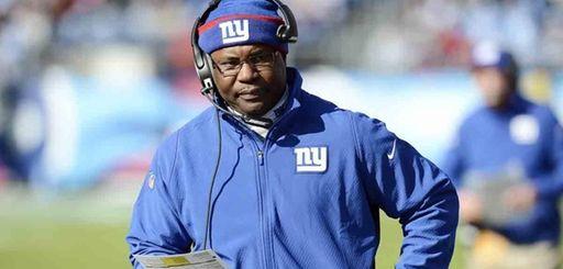 Giants defensive coordinator Perry Fewell walks the sideline
