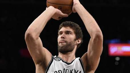 Brooklyn Nets center Brook Lopez shoots a free
