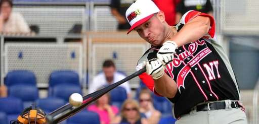 Vito Friscia hitting home runs in Florida