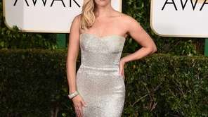 Reese Witherspoon arrives for the Golden Globe Awards