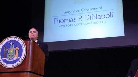 NewYork State Comptroller Thomas DiNapoli takes the oath
