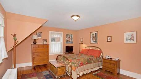 Arts and Crafts Style House for sale in