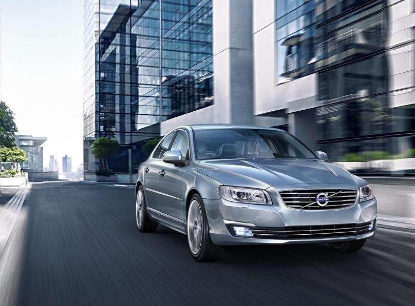 The Volvo S80 safety features include adaptive cruising,