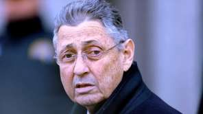 Assembly Speaker Sheldon Silver leaves federal court in