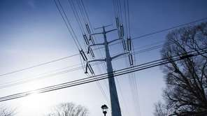 PSEG electric transmission lines on Waltress Road in