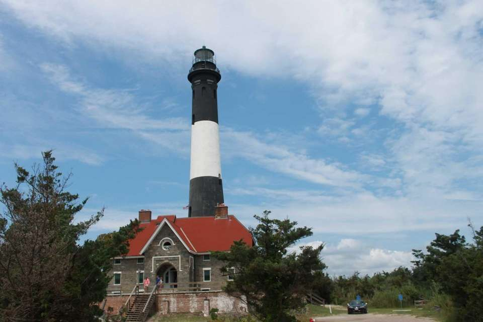 Visiting the Fire Island Lighthouse in midwinter? You