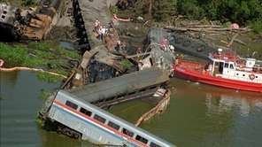 After a barge rammed a bridge, the Amtrak