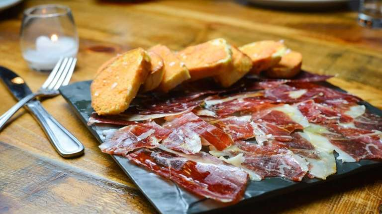 Jamon Pata Negra, the great Iberico ham from