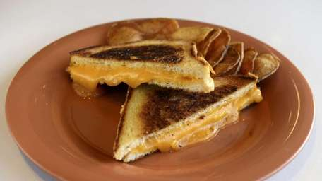 White pullman bread with American cheese is a