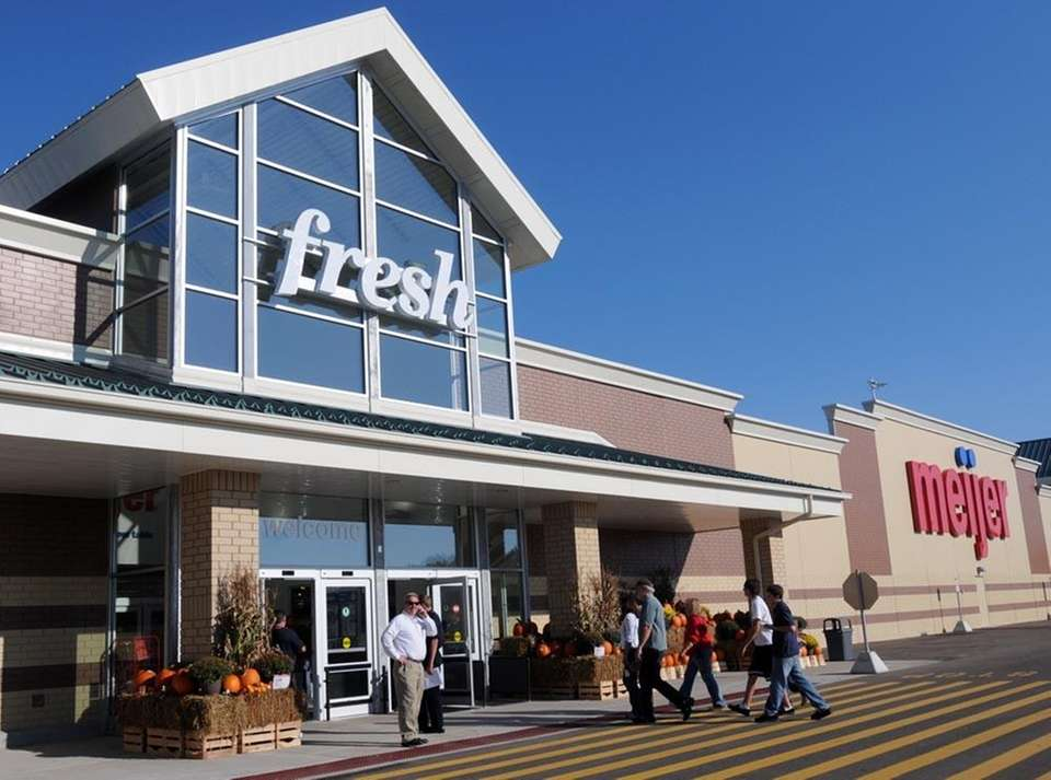 Meijer started the trend of hypermarkets that blend