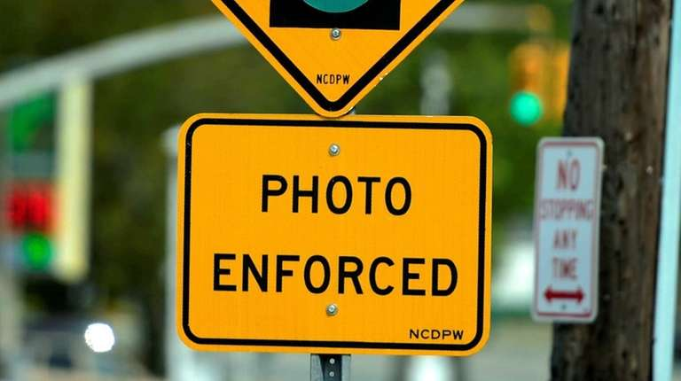 Photo of the red light traffic camera sign