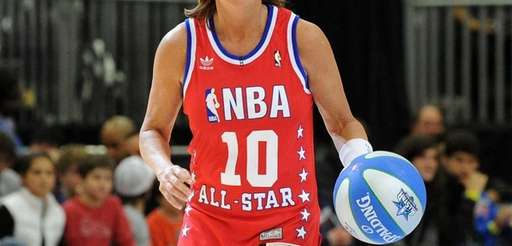 Basketball Hall of Famer Nancy Lieberman plays on