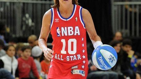 Basketball Hall of Famer Nancy Lieberman plays on
