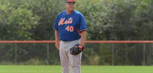 Mets pitcher Bartolo Colon practicing during a spring