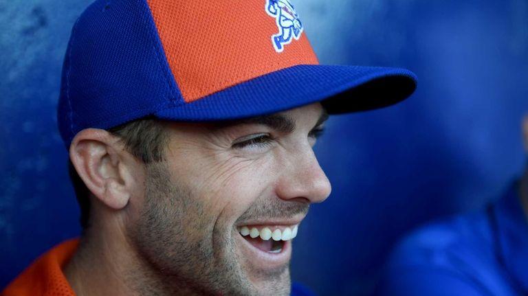 Mets third baseman David Wright laughs as he