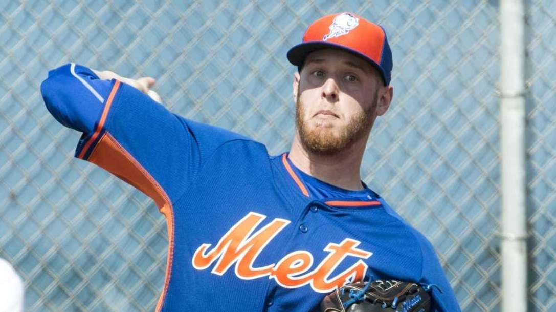 Mets pitcher Zack Wheeler throws a bullpen session